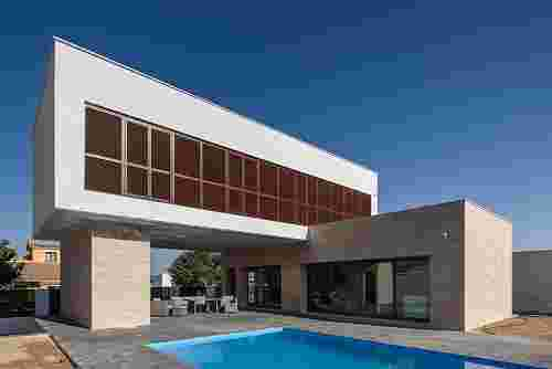 L House by g2t Arquitectos